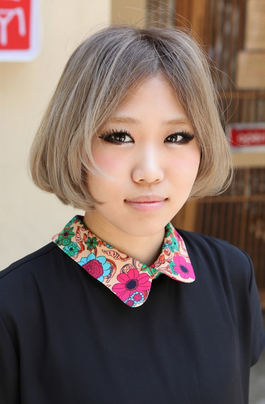 Trendy Short Bob Hairstyle for Asian Girls