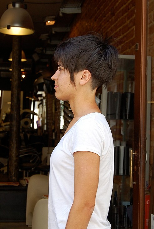 Trendy Short Summer Hairstyle for Women