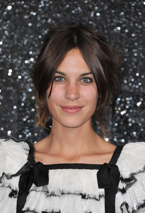 New Trendy Short Messy Bob Hairstyle From Alexa Chung