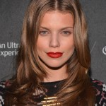 AnnaLynne McCord Center Parted Formal Long Hairstyle