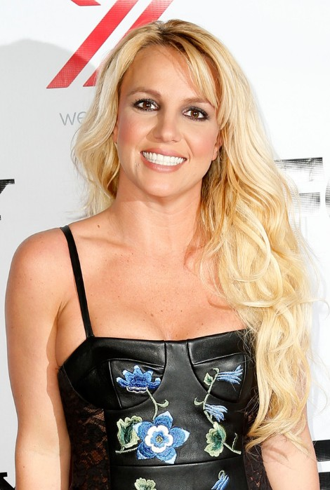 Britney Spears Bottle Blonde Tresses in Loose Waves
