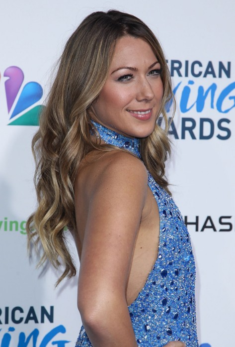 Colbie Caillat Long Curly Hairstyle With Sun Kissed