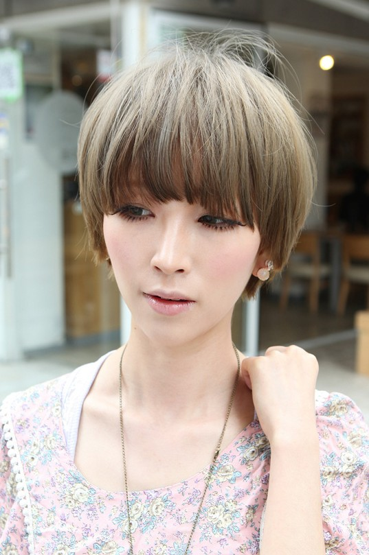 Beautiful Bowl-Cut with Retro Fringe - Short Japanese Hairstyle for Girls - Hairstyles Weekly