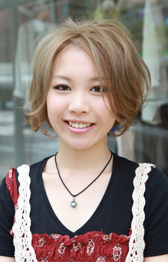 Cute Short Japanese Bob Haircut for Girls