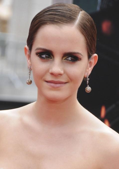 Cool Elegant Short Slicked Back Pixie Haircut Emma Watson Hairstyle Short Hairstyles Gunalazisus