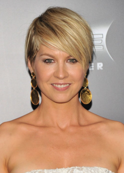 ... of Jenna Elfman Layered Razor Cut with Side Swept Bangs /Getty