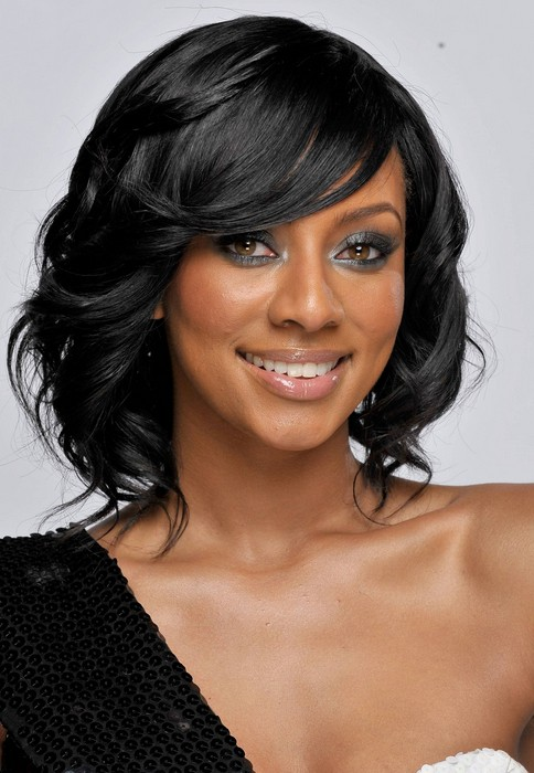 Keri Hilson Medium Length Black Curly Hairstyle for Prom