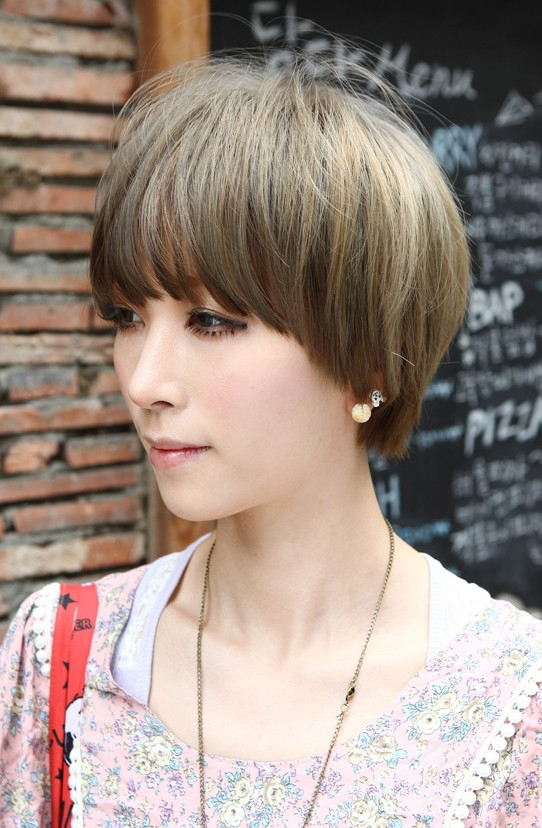 Beautiful Bowl Cut With Retro Fringe Short Japanese Hairstyle For Girls Hairstyles Weekly