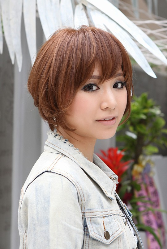 Trendy Short Copper Haircut From Japan Stacked Short Angled Bob