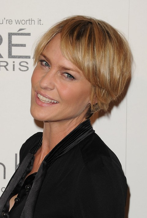 Layered Short Choppy Razor Cut For Mature Lady Robin Wright Penn Hairstyles Hairstyles Weekly