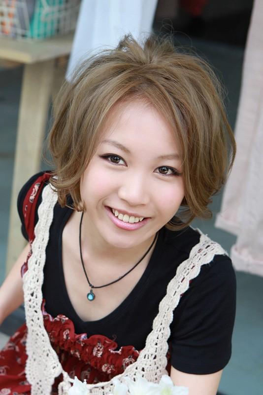 Short Messy Japanese Bob Haircut