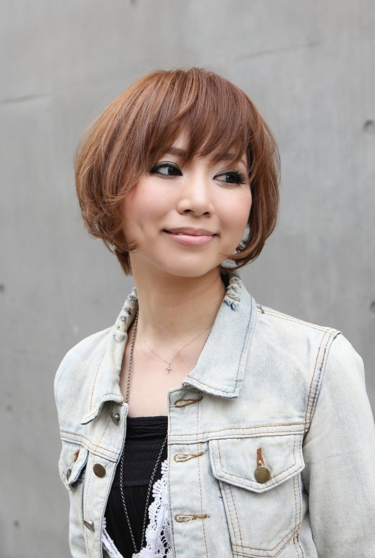 Trendy Short Asian Haircut for Spring