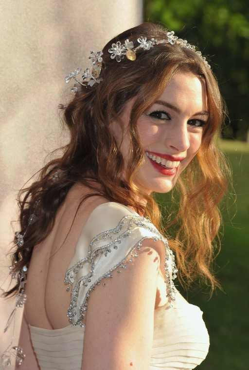 Anne Hathaway Hairstyles Wavy Wedding