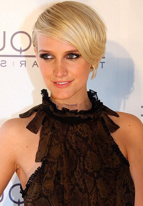 Short chic blonde deep side part haircut with bangs ashley ashlee simpson short blonde haircut with side swept bangs urmus Gallery