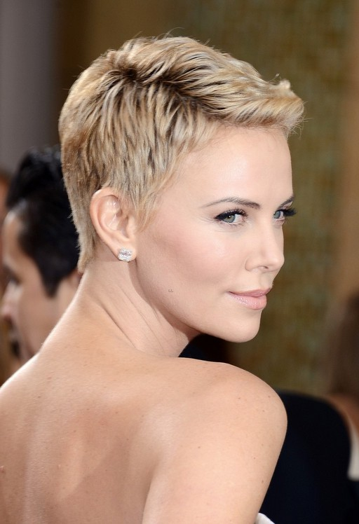 Best Short Haircut For Summer Charlize Theron Pixie Cut With Mini