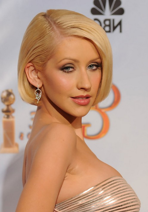 Christina Aguilera short blonde bob hairstyle