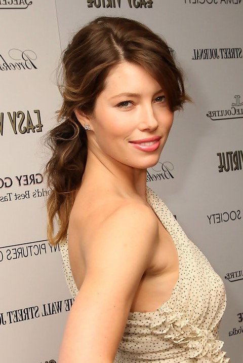 Jessica Biel Casual Hairstyle For Long Hair Natural Red