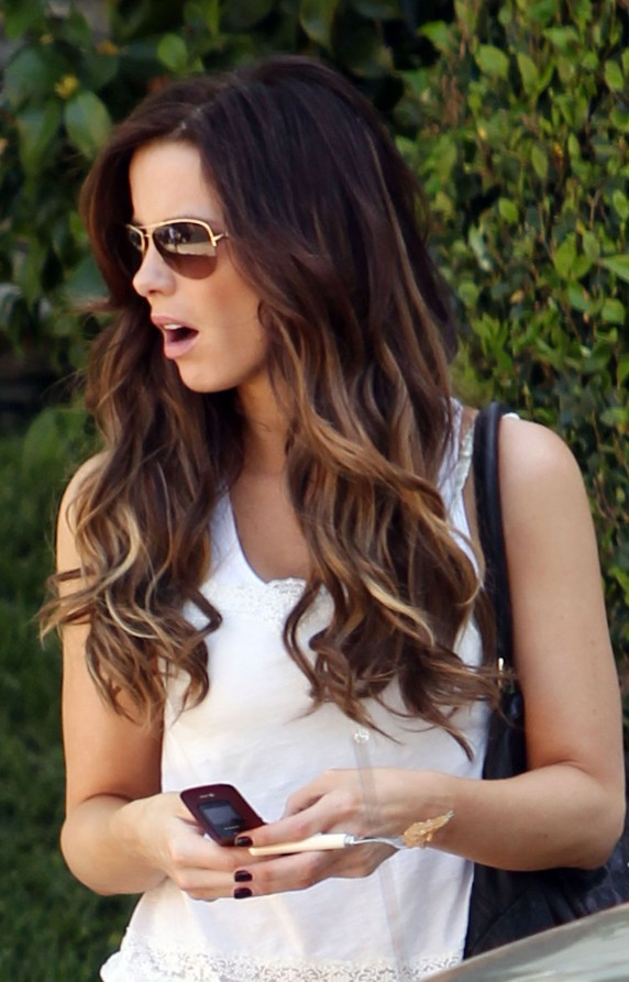 Dip Dye Highlights In Wavy Long Hair Long Ombre Hair For