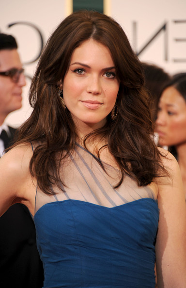 Long brown wavy hairstyle for women - Mandy Moore Hairstyle