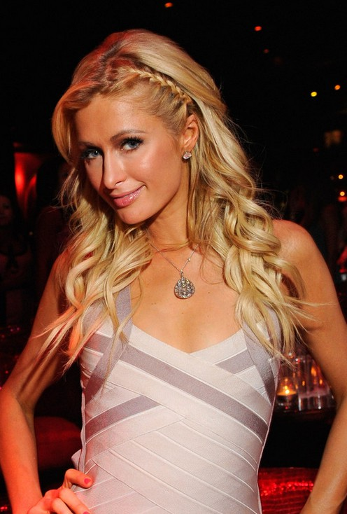 Cute feminine and flattering hairstyle for women Paris Hilton Hairstyles