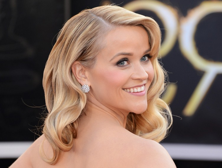Strange Reese Witherspoon39S Hairstyle Wonderful Waves Long Blonde Wavy Short Hairstyles For Black Women Fulllsitofus