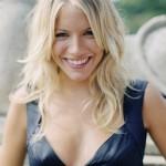Popular medium blonde hairstyle : Sienna Miller hairstyles