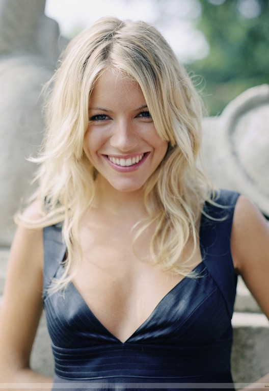 Popular medium blonde hairstyle : Sienna Miller hairstyles