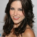 Best medium hairstyle - shoulder length hairstyle Sophia Bush hair style