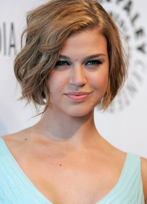 How To Style Short Wavy Hair Naturally Chic Natural Look Short Wavy Bob Haircut  Adrianne Palicki Short .