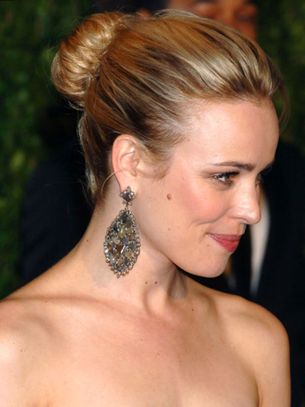Rachel McAdams - Classic Bun Updos For Medium Length Hair