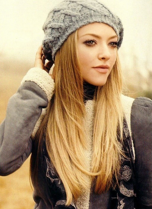 Amanda Seyfried - long sleek blonde ombre hair