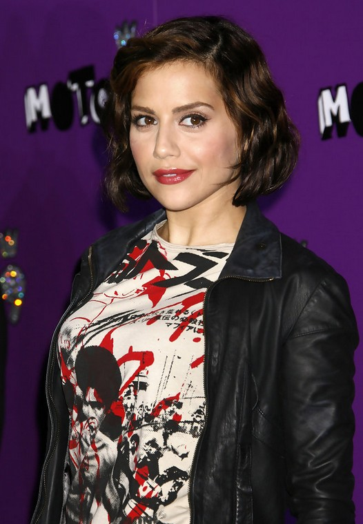 dark medium bob with copper balayage - brittany murphy's short