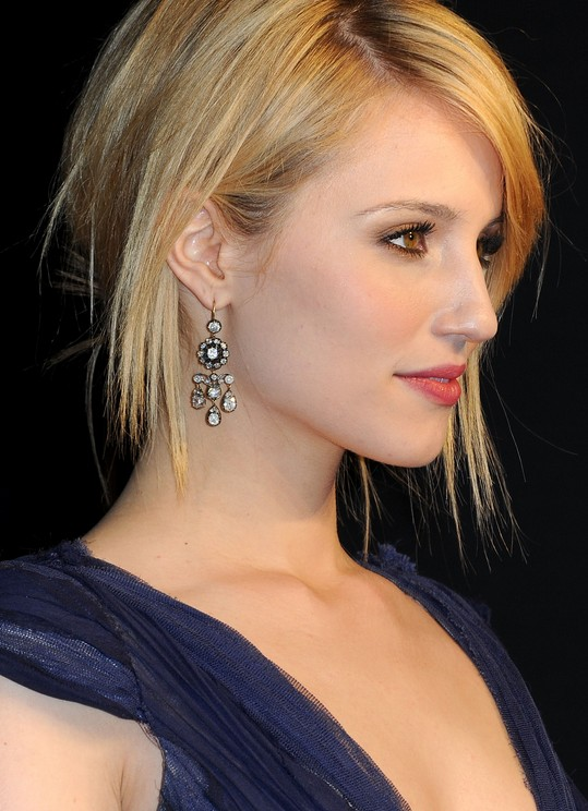 Sleek Short Haircut For Women Dianna Agron S Hairstyle