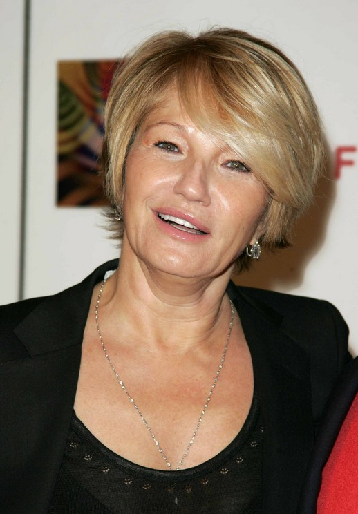Short Haircut for Mature Women Over 50: Ellen Barkin\'s Short ...