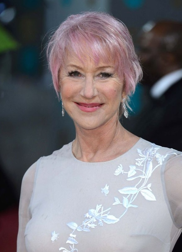 Short Fringed Cut With Delicate Pink Accents Helen Mirren S Short Haircut Hairstyles Weekly