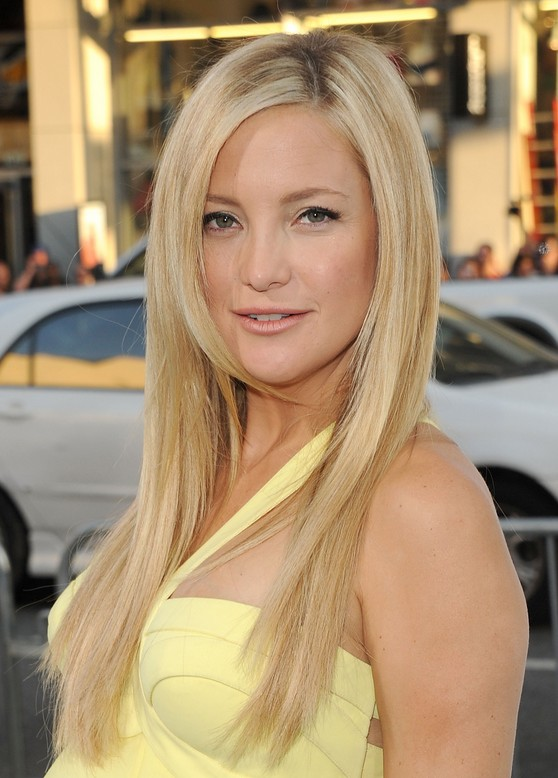 Cute long straight hairstyle for blonde hair - Kate Hudson hairstyles