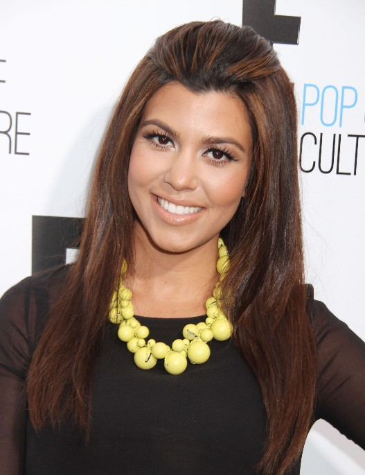 Lovely simple easy hair style for women - Kourtney Kardashian hairstyle