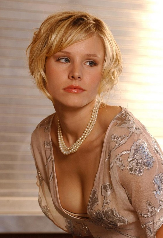 Cute short haircut with side swept bangs - Kristen Bell hairstyle