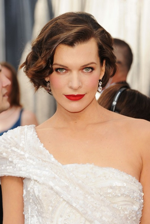 Trendy short bob haircut - Milla Jovovich hairstyle