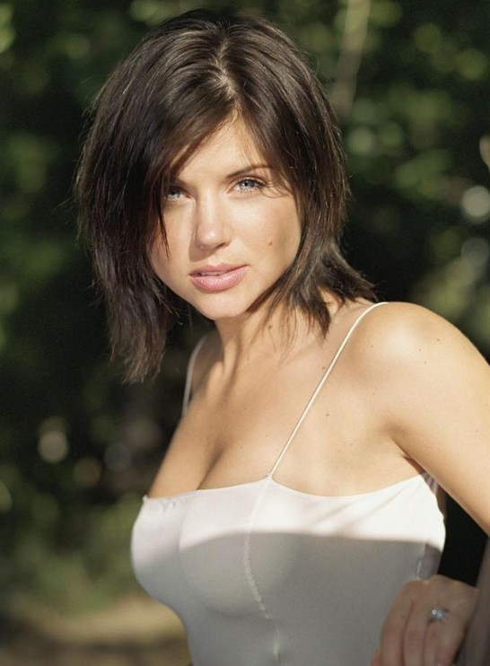 Trendy short bob hair style with bangs for 2014 - Tiffani Thiessen Hairstyles