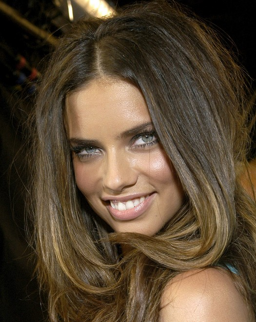 Sexy Long Straight Hairstyle For Thick Hair Adriana Lima