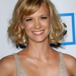 Medium easy daily hair style for women - January Jones hairstyles