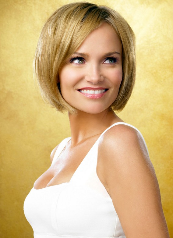 Super Smooth Short Bob Hairstyle With Side Swept Bangs Kristin Short Hairstyles Gunalazisus