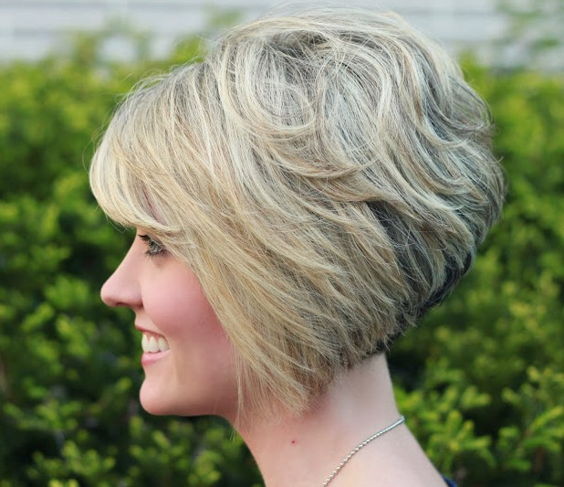 Gorgeous Stacked Bob Hairstyle with Side Swept Bangs for Thick Hair - Hairstyles Weekly