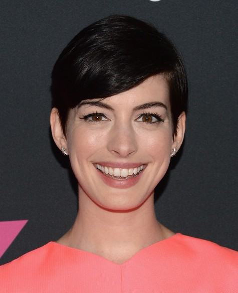 Anne Hathaway Short Hairstyle - Cute Side Parted Black Haircut for 2019