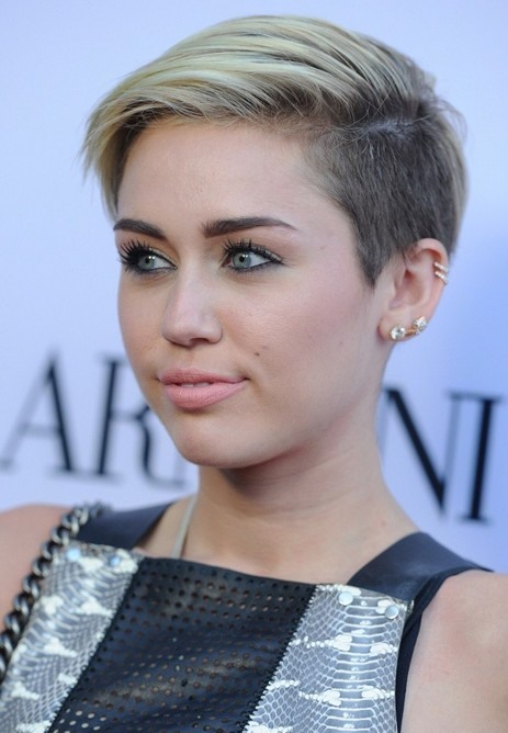 Miley Cyrus Short Haircut for 2019 - Short Edgy Hairstyle for Young Ladies