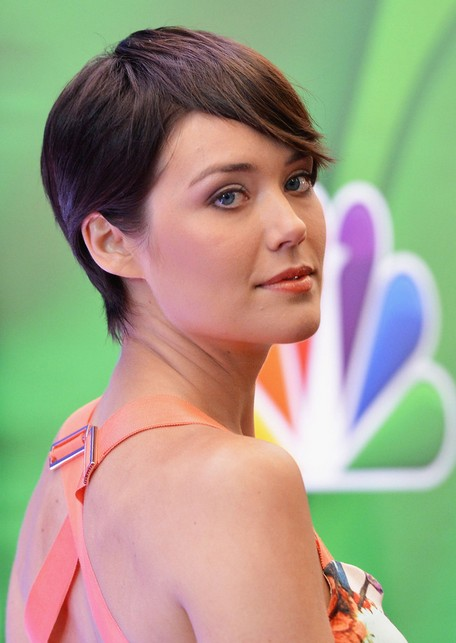 Megan Boone Short Hairstyles 2015 - Stylish Short Straight Haircut with Bangs