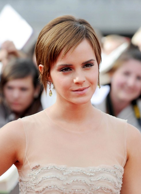 Emma Watson Short Hairstyle - Chic Pixie Cut with Straight Bangs