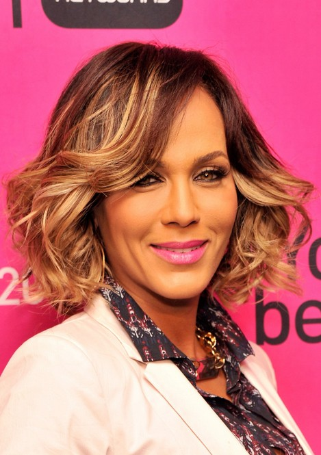 Nicole Ari Parker Short Hair Style for 2014 - Layered Short Wavy Hairstyle for Thick Hair