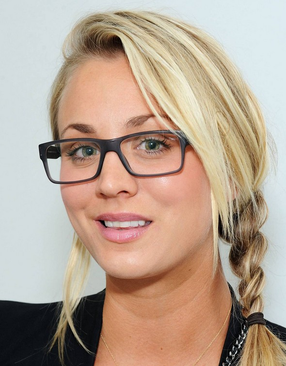 Casual Braid Hairstyle Kaley Cuoco Hairstyles Hairstyles Weekly